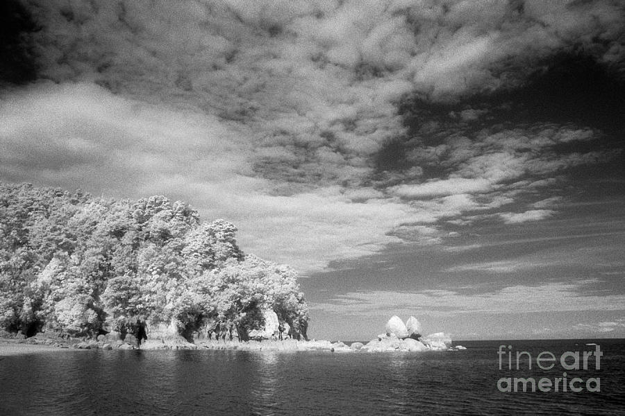 Abel Tasman Np Photograph - Split Apple Rock Abel Tasman Np by Colin and Linda McKie