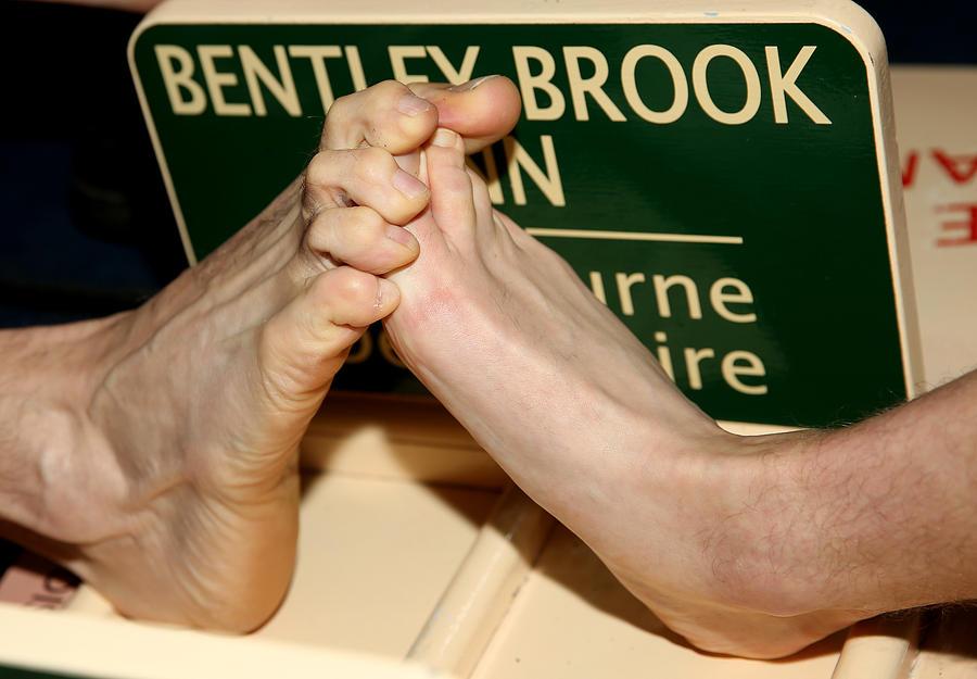 Sport - World Toe Wrestling Championship 2015 - Bentley Brook Inn Photograph by Simon Cooper - EMPICS