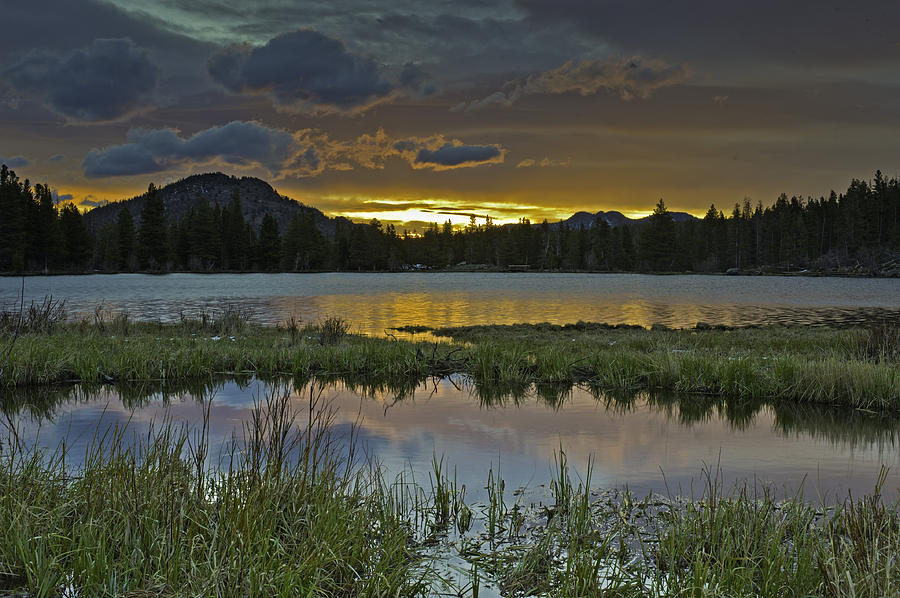 Sunrise Photograph - Sprague Lake Sunrise by Tom Wilbert