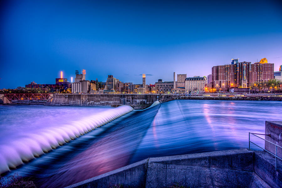 Cityscape Photograph - St. Anthony Falls In Minneapolis by Mark Goodman