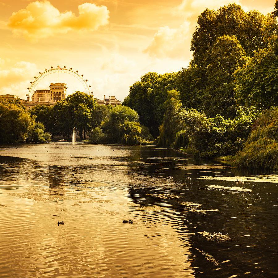 St James Park In London Photograph by Franckreporter