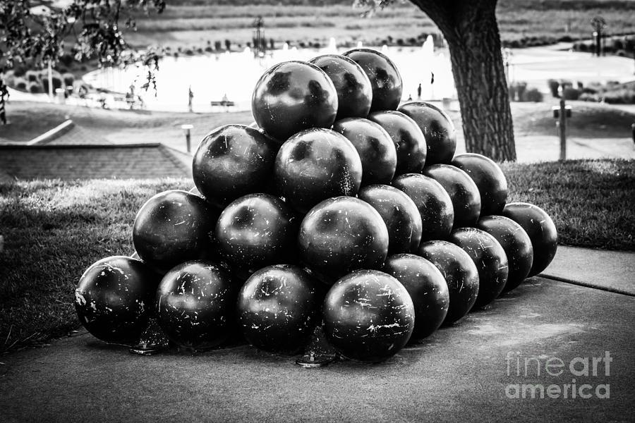 America Photograph - St. Joseph Michigan Cannon Balls Picture by Paul Velgos
