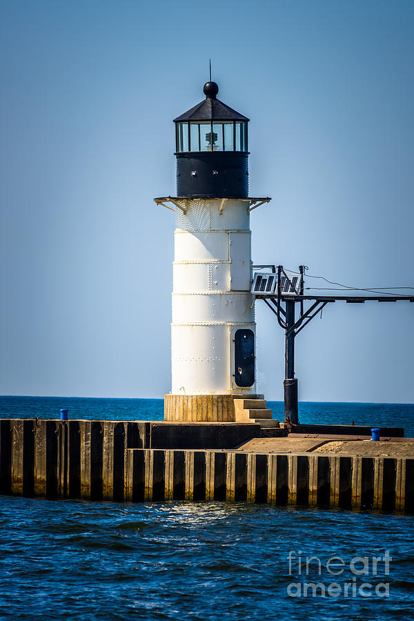 America Photograph - St. Joseph Outer Lighthouse Photo by Paul Velgos