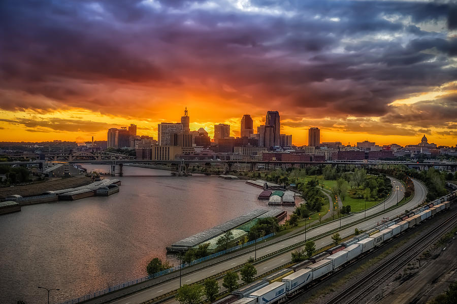 Cityscape Photograph - St. Paul Sunset by Mark Goodman