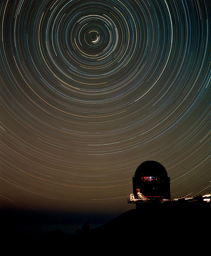 Roque De Los Muchachos Photograph - Star Trails Over Dome Of Nordic Optical Telescope by David Parker/science Photo Library
