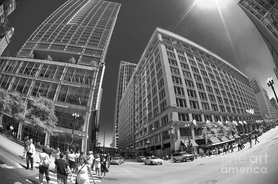 State Street Photograph - State And Randolph Street At Lunchtime Chicago Il by Linda Matlow