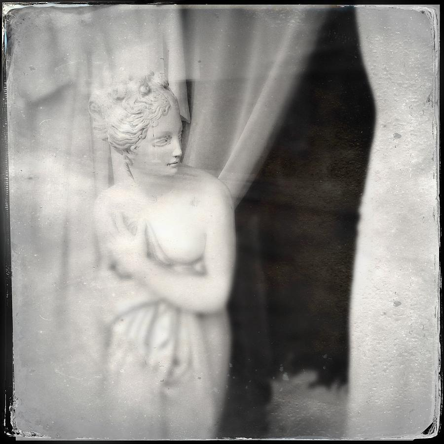 Statue Photograph - Statue Of A Woman In Shop Window by Matthias Hauser