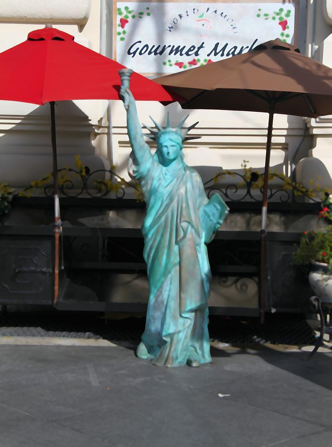 Statue Of Liberty Mixed Media - Statue Of Liberty At The Market by Dan Sproul