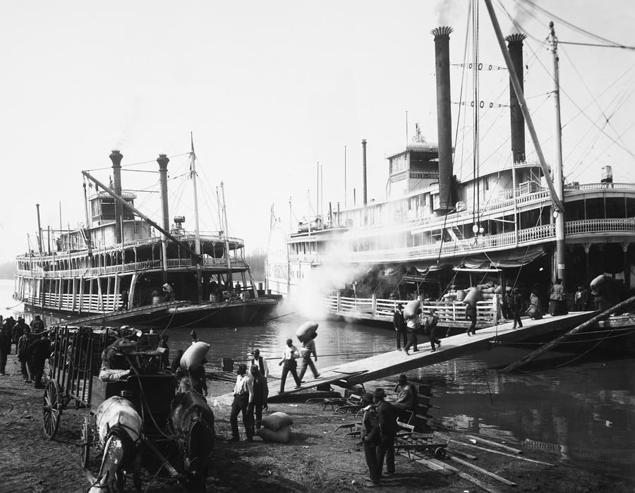 1906 Photograph - Steamboat Landing, 1906 by Granger