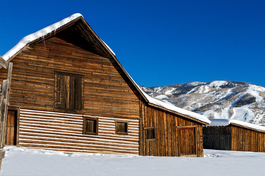 Champagne Powder Photograph - Steamboat Springs Historic Barn by Teri Virbickis