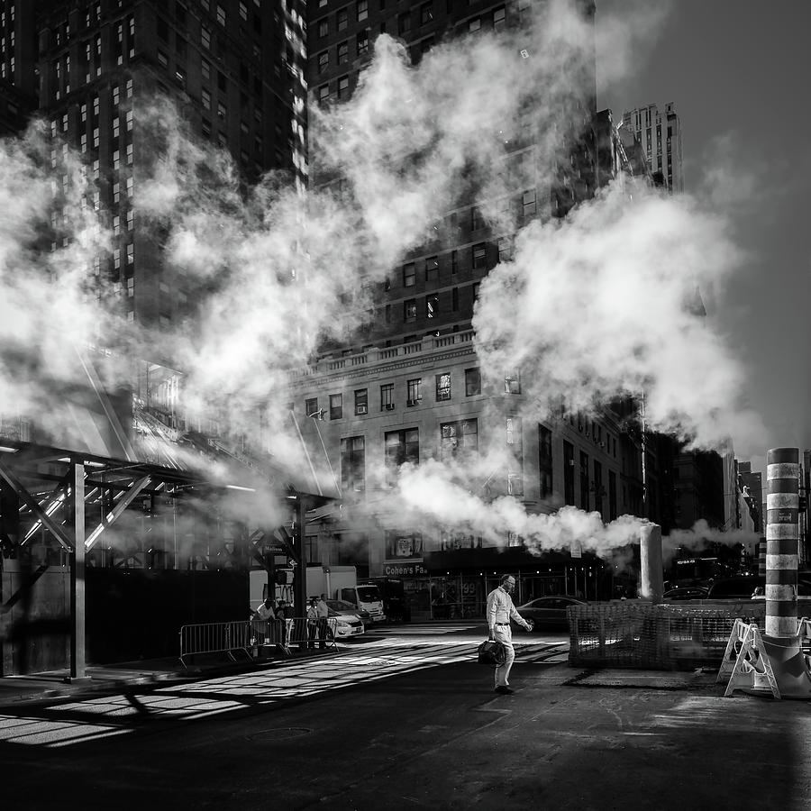 Street Photograph - Steaming by Eduardo Marques