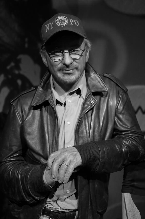 Screenwriter Photograph - Steven Spielberg by Lee Dos Santos