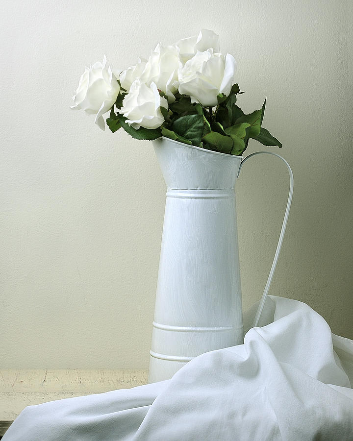 Stilllife Photograph - Still Life With White Roses by Krasimir Tolev
