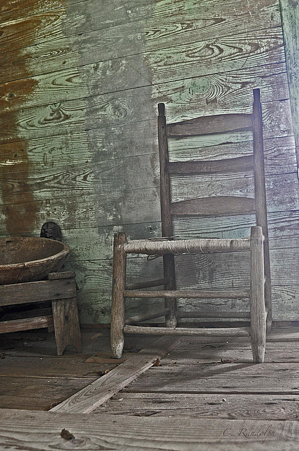 Laura Plantation Photograph - Story Chair by Cheri Randolph