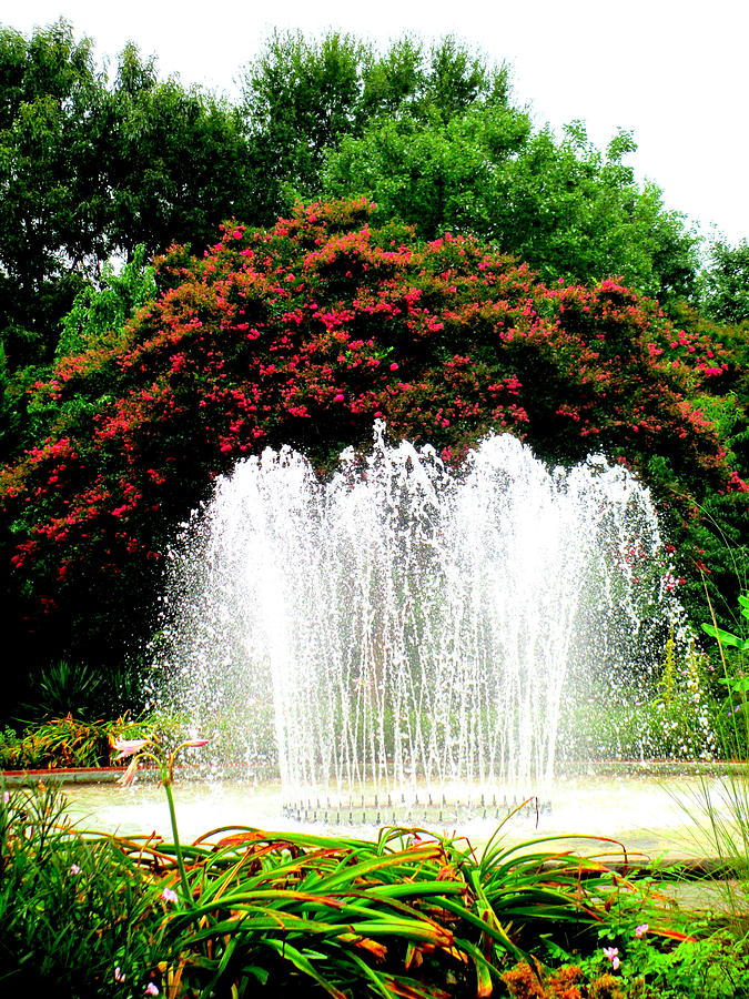 Water Photograph - Stowe Fountain 2 by Randall Weidner