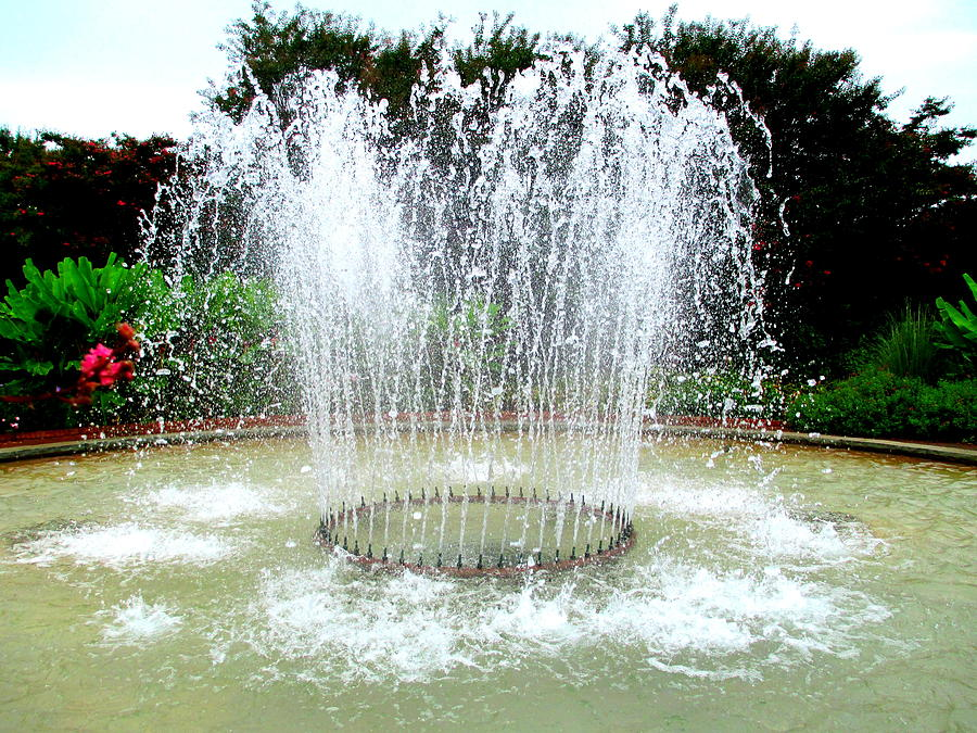 Water Photograph - Stowe Fountain 3 by Randall Weidner
