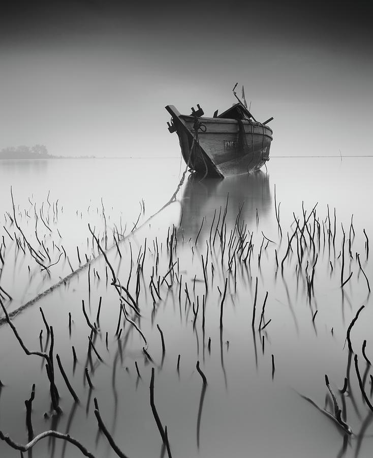 Bw Photograph - Stranded Again by Razali Ahmad