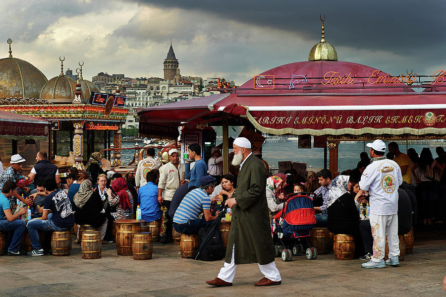 Street Food On The Golden Horn, Istanbul Photograph by Andrea Pistolesi