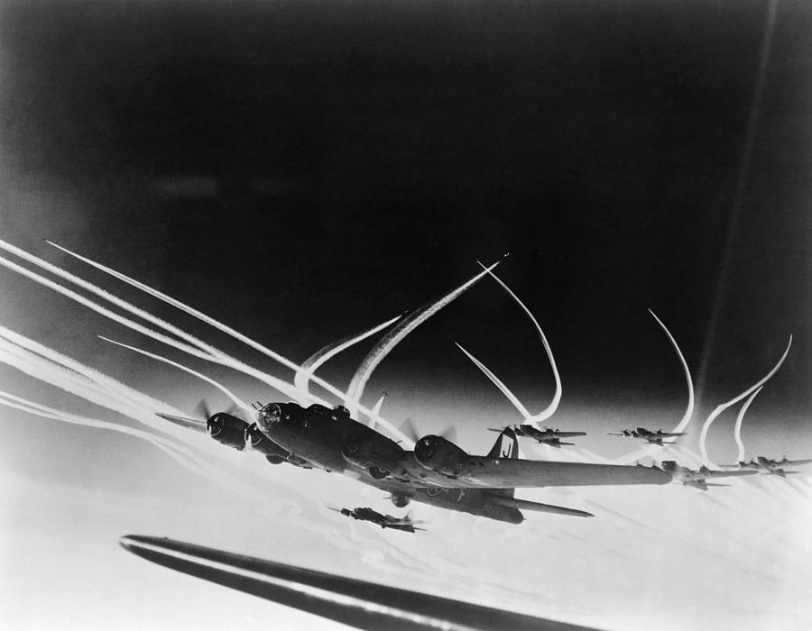 history photograph sub stratospheric vapor trails of b 17 by everett