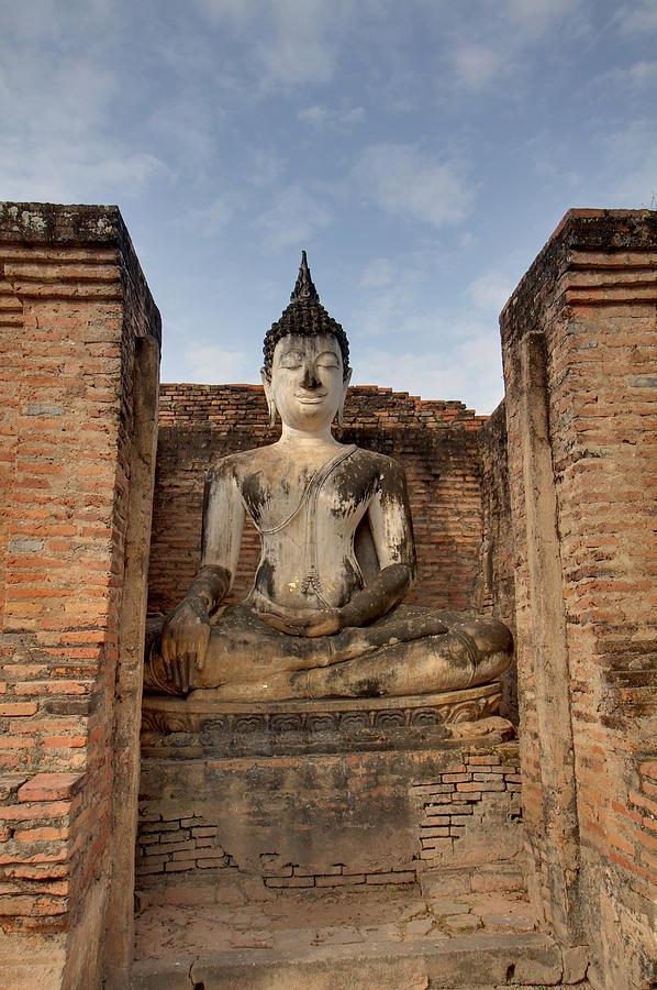 Sukhothai Photograph - Sukhothai Historical Park - Sukhothai Thailand - 011317 by DC Photographer