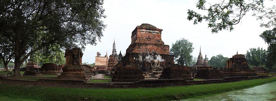 Sukhothai Photograph - Sukhothai Historical Park - Sukhothai Thailand - 01132 by DC Photographer