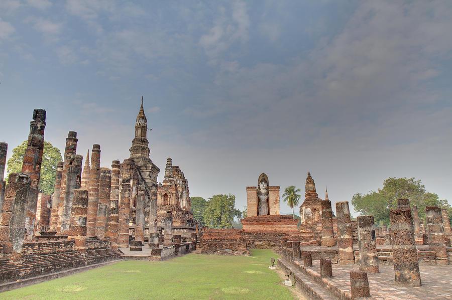 Sukhothai Photograph - Sukhothai Historical Park - Sukhothai Thailand - 011329 by DC Photographer