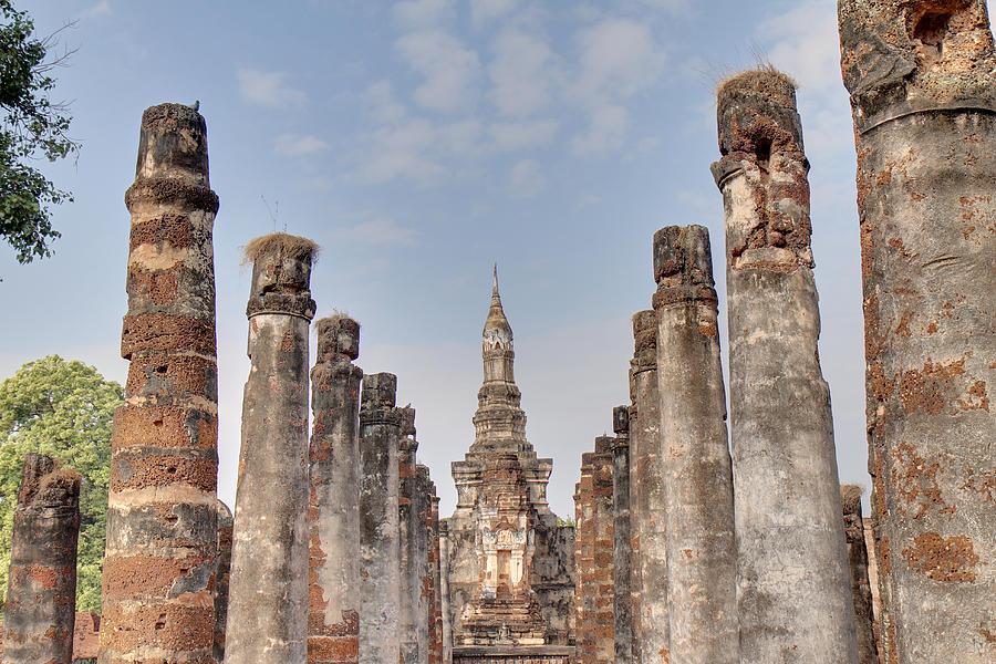 Sukhothai Photograph - Sukhothai Historical Park - Sukhothai Thailand - 011336 by DC Photographer