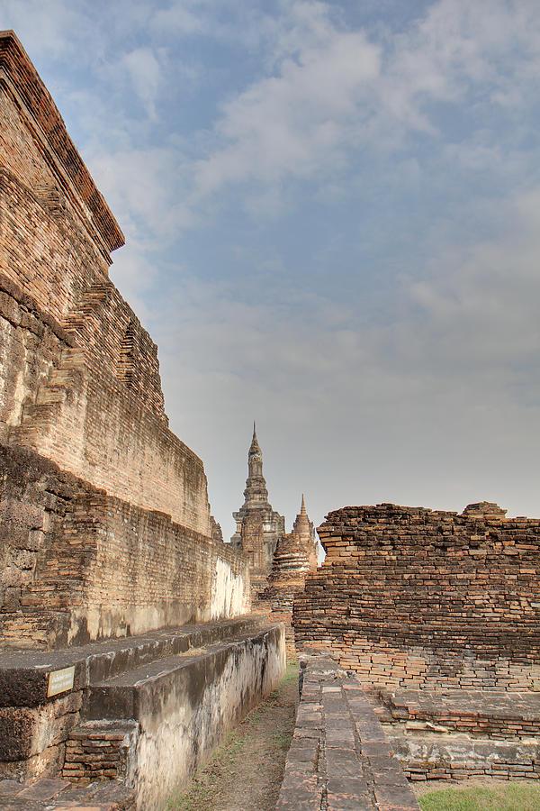 Sukhothai Photograph - Sukhothai Historical Park - Sukhothai Thailand - 01138 by DC Photographer