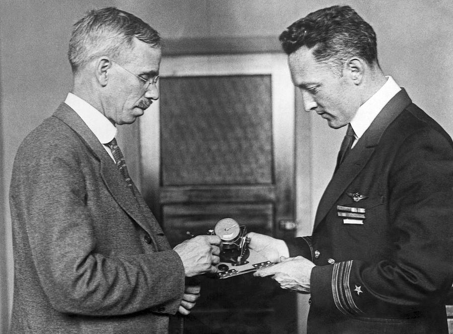 1920s Photograph - Sun Compass For Admiral Byrd by Underwood Archives
