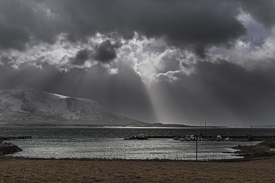 Frank Olsen Photograph - Sunray by Frank Olsen