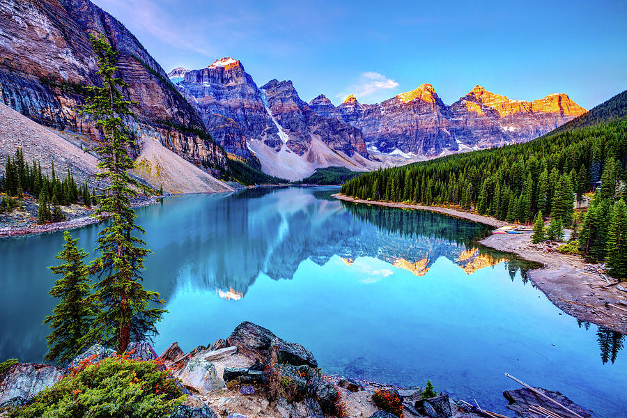 Tranquility Photograph - Sunrise At Moraine Lake by Wan Ru Chen