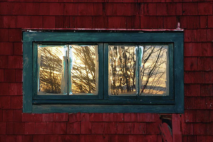 Barns Photograph - Sunrise In Old Barn Window by Susan Capuano