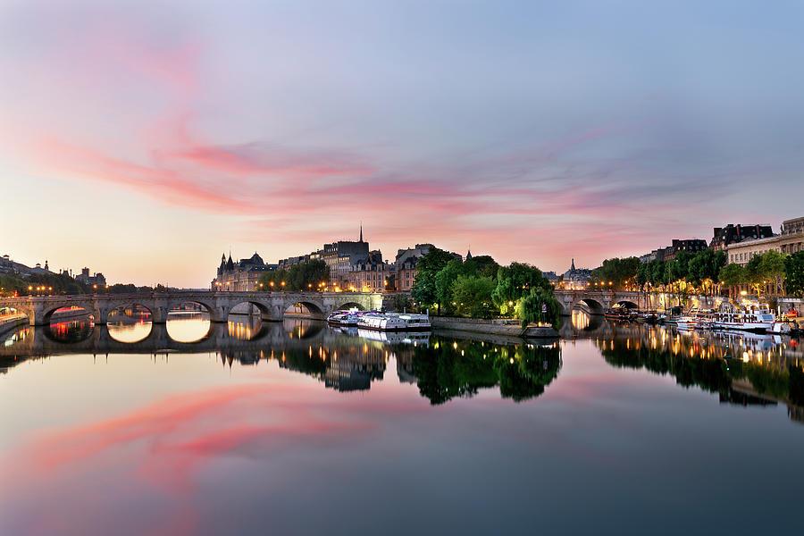 Sunrise On Ile De La Cité Photograph by Julien Fromentin @