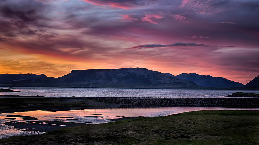 Sunrise on the Snaefellsnes peninsula in Iceland by Victoria Porter