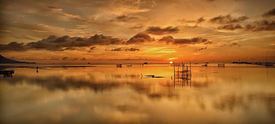 Sunrise, Phu Quoc, Vietnam Photograph by Huyenhoang
