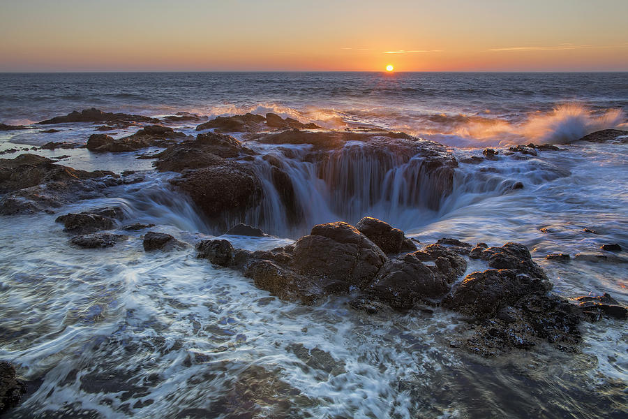 Thor's Well Photograph - Sunset Over Thors Well Along Oregon Coast by David Gn