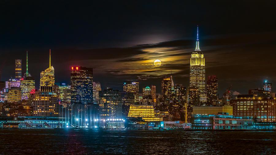 Super Moon Photograph - Super Blue Moon 2018, New York City by Hua Zhu