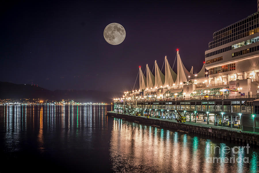 Super Moon Over Canada Place Vancouver By Sabine Edrissi
