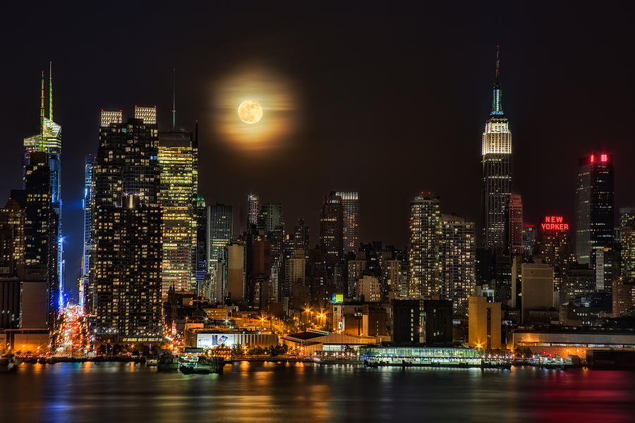 Empire State Building Photograph - Super Moon Over Nyc by Susan Candelario