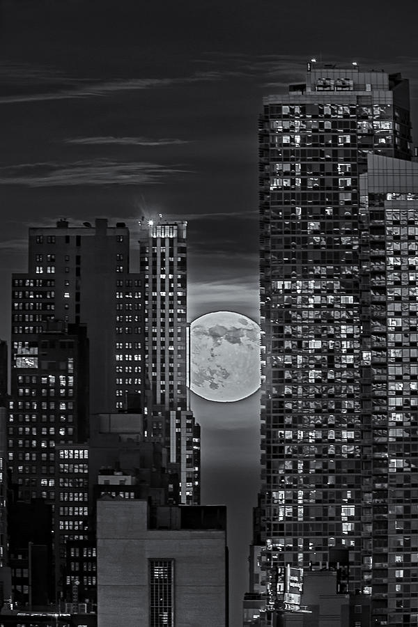 Big Apple Photograph - Super Moon Rises Over The Big Apple Bw by Susan Candelario
