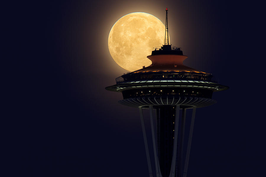 Supermoon 2012 Photograph - Supermoon 2012 by Quynh Ton