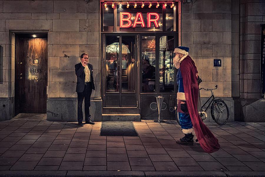 Street Photograph - Supersanta by Martin Johansson