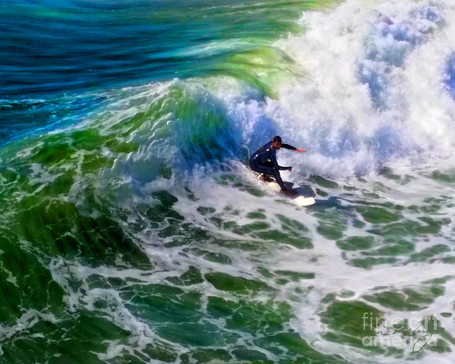 Surf 2 Bottom Turn by Glenn McNary