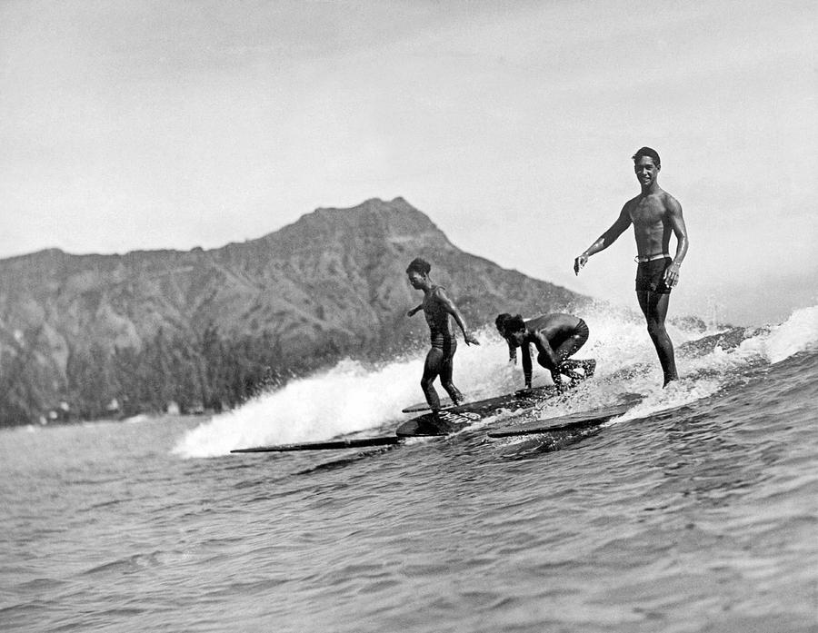 1926 Photograph - Surfing In Honolulu by Underwood Archives