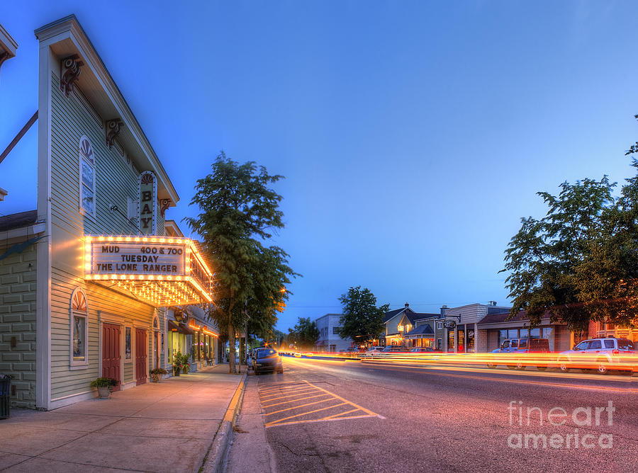 Suttons Photograph - Suttons Bay Evening by Twenty Two North Photography