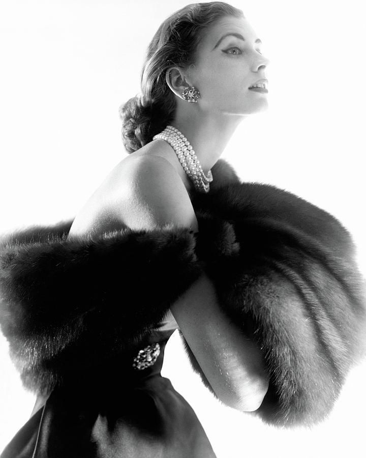 Suzy Parker Photograph by Horst P. Horst