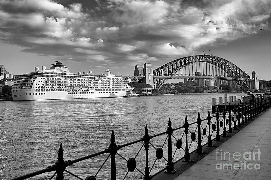 Sydney Harbour by Kate McKenna