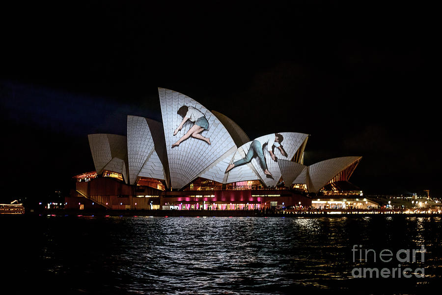 Sydney Opera House  IV by Ray Warren