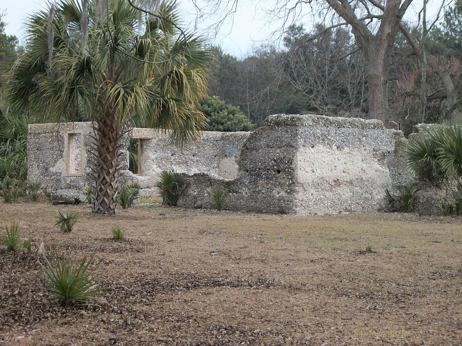 Tabby Ruins Photograph - Tabby Ruins by Paula Rountree Bischoff