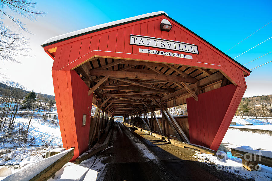 Span Photograph - Taftsville Covered Bridge In Vermont In Winter by Edward Fielding